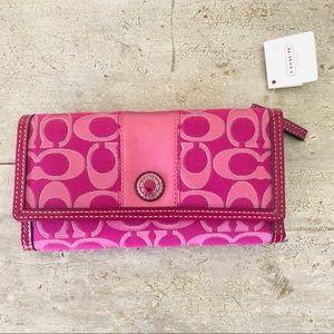 ♥️ Coach ♥️ Pink Wallet